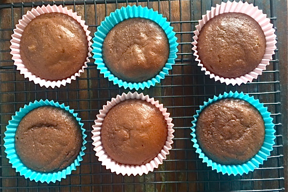 Cacao & Banana Mini Muffins (4Ingredients)